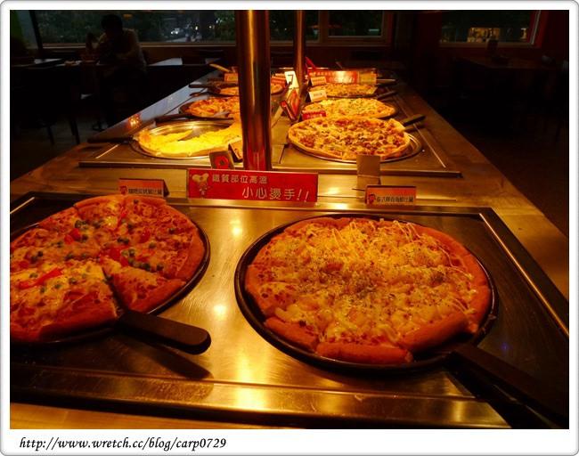 【東區】必勝客歡樂吧!!!挑戰pizza烤雞大食量!! @魚樂分享誌