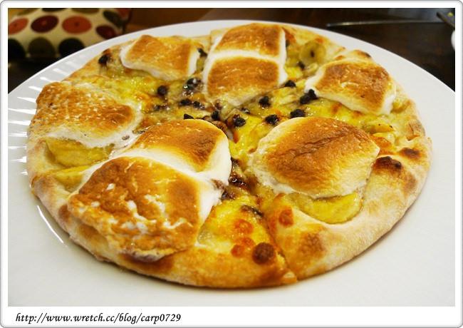 【師大商圈】Maryjane Pizza瑪莉珍比薩~枕頭大戰好好吃!! @魚樂分享誌