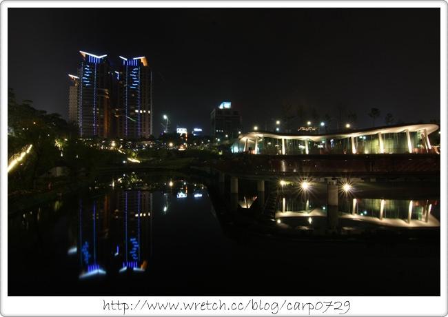 【台中】秋紅谷廣場(秋紅谷公園) @魚樂分享誌