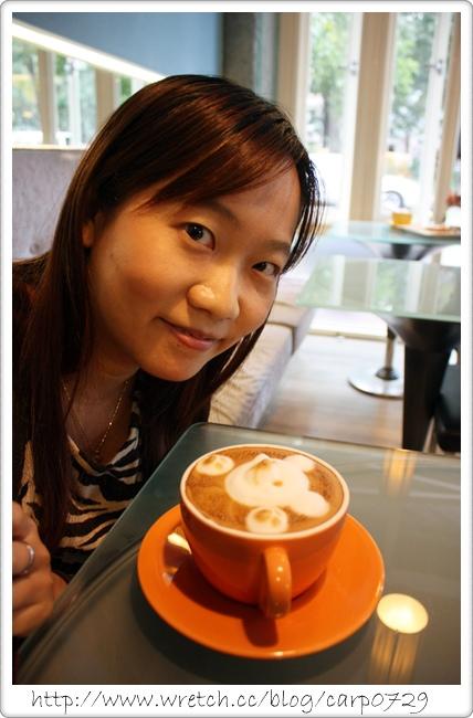 【台中西區】52 cafe~立體小熊拉花拿鐵 @魚樂分享誌