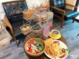 網站近期文章:【台北松山】徒步3分‧小食光|超吸睛炸物摩天輪|大份量早午餐