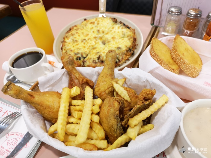 【台北大安】蘇阿姨比薩屋│國父紀念館美食│鮮嫩多汁薄皮炸雞│超級牽絲美味披薩