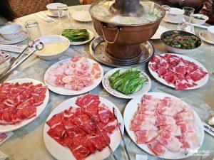 今日熱門文章:【台北中山】唐宮蒙古烤肉酸菜白肉鍋|行天宮站吃到飽