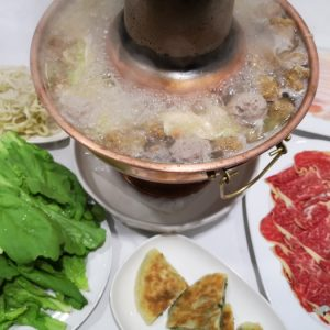 圍爐酸菜白肉鍋