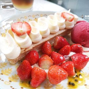 season草莓千層